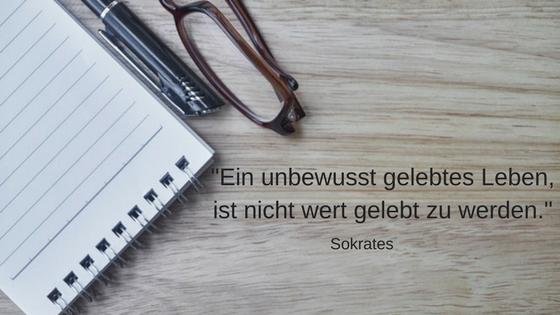 11 inspirierende Minimalismus Zitate: Sokrates