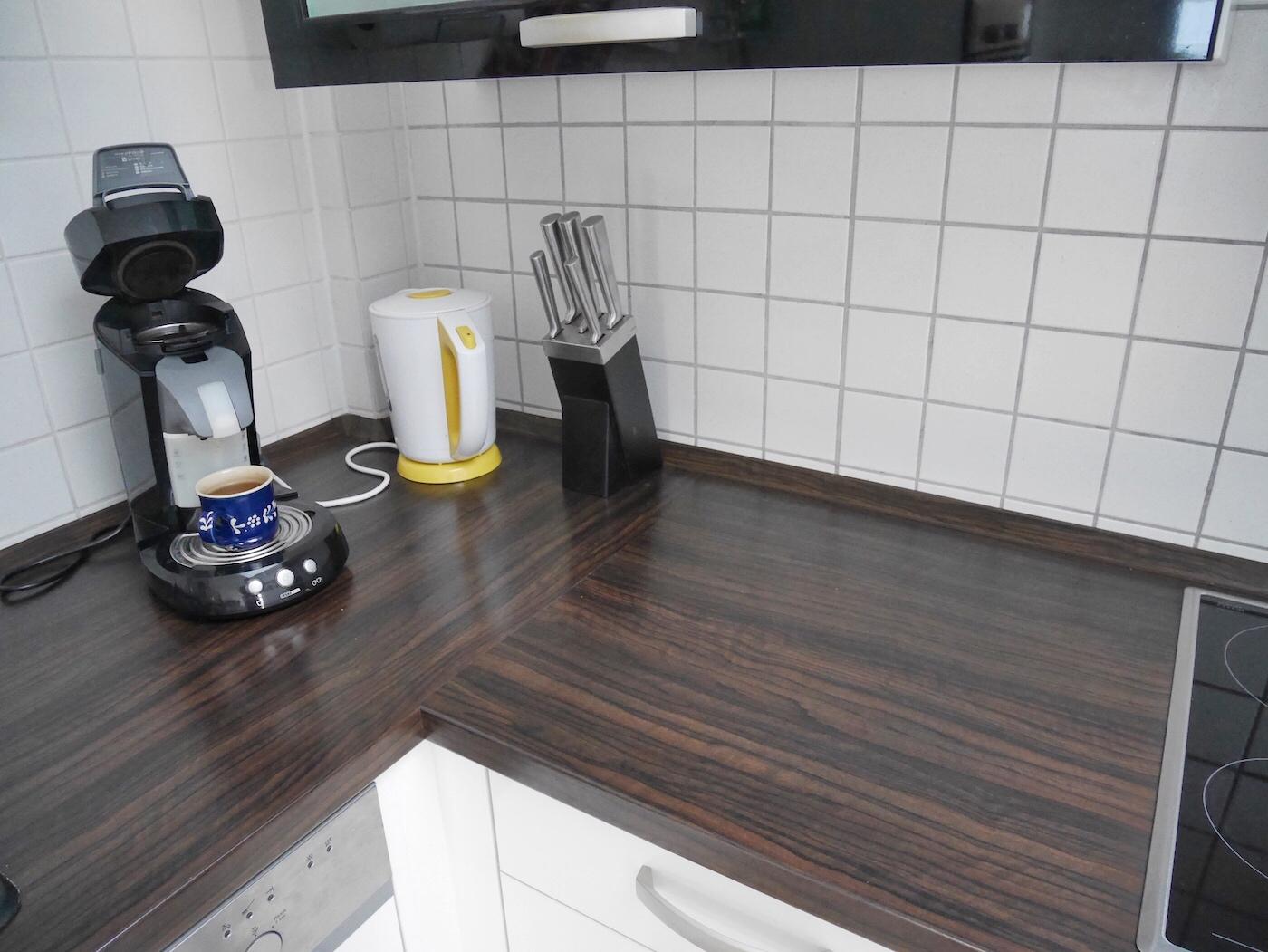 Saubere Arbeitsfläche in der Küche
